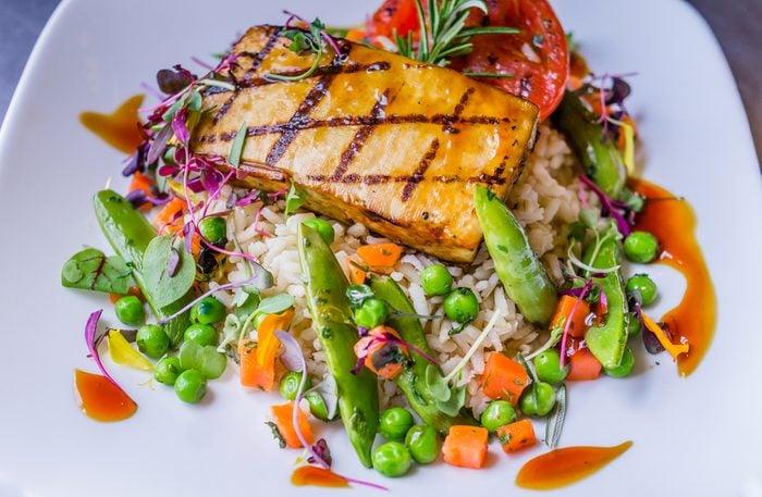 Une recette faible en cholestérol de poisson à l'orientale
