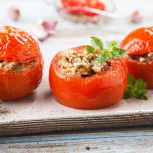 Tomates cerises rôties en corolle de parmesan