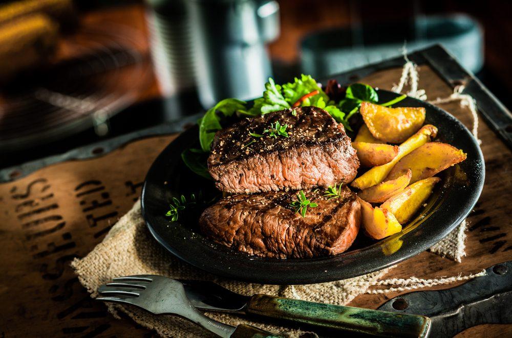La meilleure recette de bifteck et sa salade tiède de patates douces