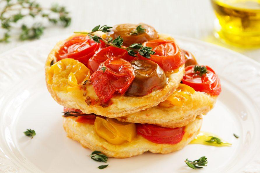 Une recette pour cuisiner les tomates fraîches de tartes tatin.