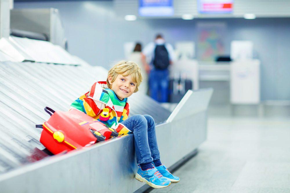 Si vous voyagez avec un enfant et qu'un autre parent en a la garde, n'oubliez pas la lettre de consentement.