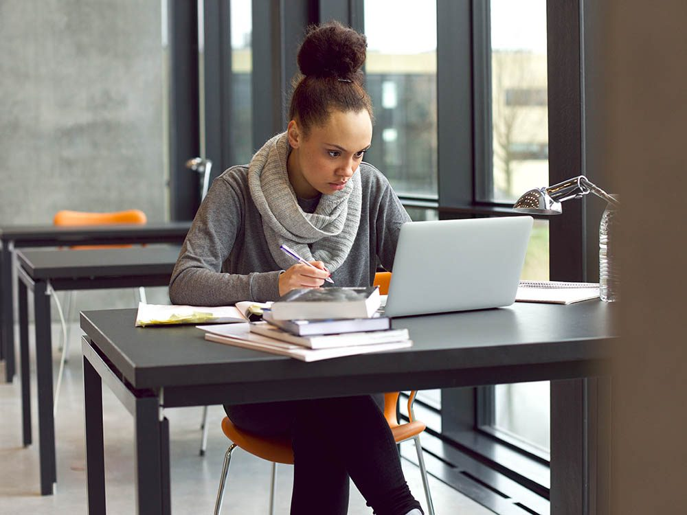 Lors de la rentrée universitaire, ne passez pas trop de temps devant l'écran de l'ordinateur.