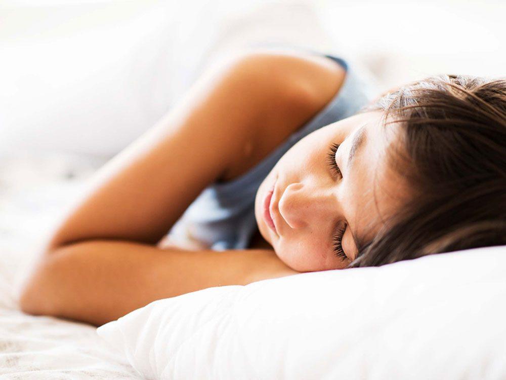 Changer progressivement l'horaire de sommeil pour le retour à l'école.