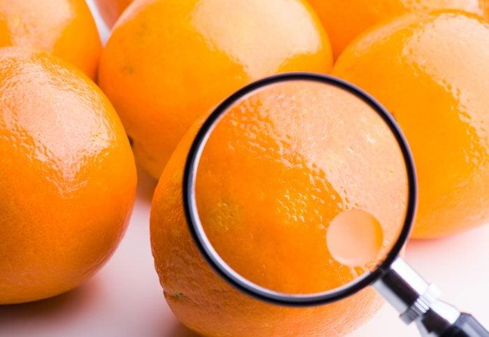 Parmi les symptômes du cancer du sein, la cellulite ou changements de peau des seins.