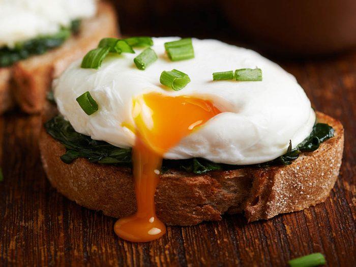 Les oeufs ne sont pas mauvais pour le cholestérol.