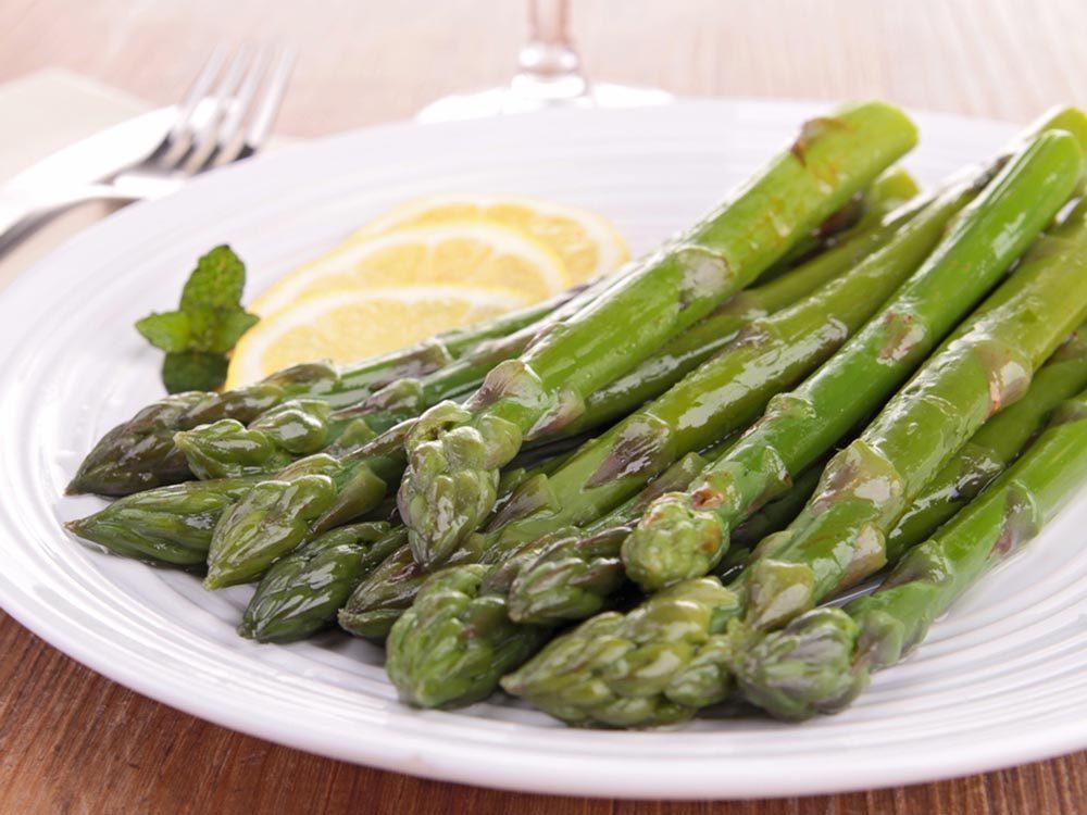 Lors d'activités sociales, évitez de consommer des asperges.