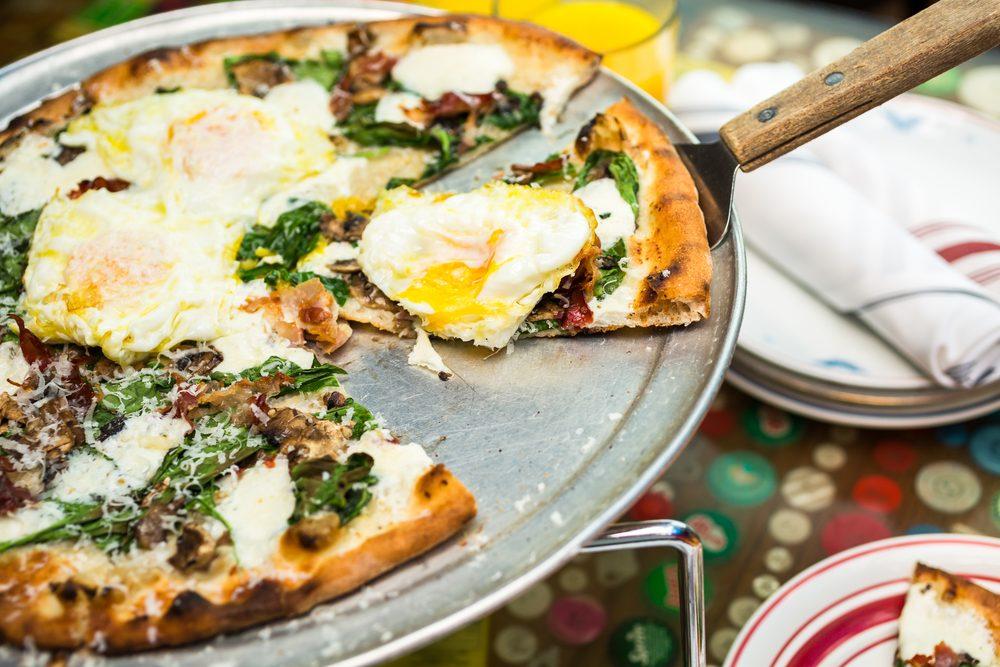 Une recette de pizza aux oeufs de caille
