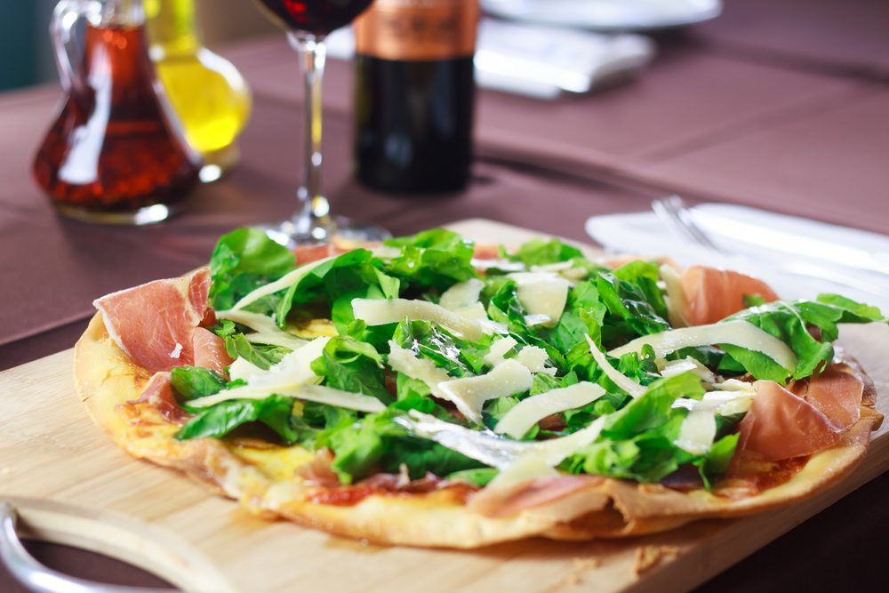 Une recette de pizza maison et sa salade.
