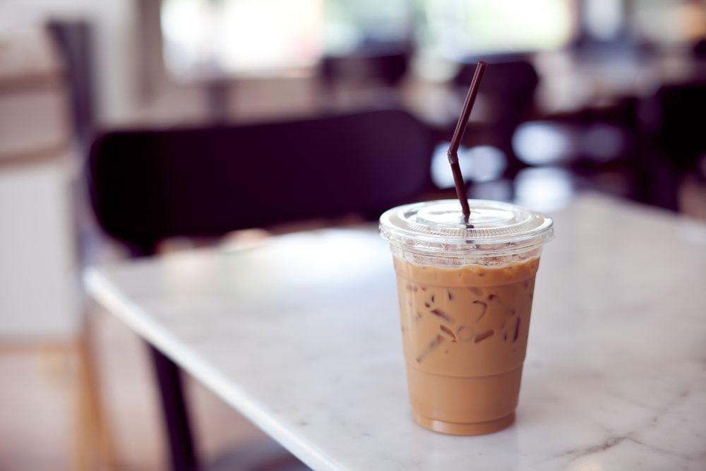Un café glacé protéiné rapide avant l'entrainement