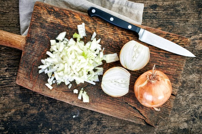 Les oignons sont faibles en calories, en plus d'être riches en vertus santé.