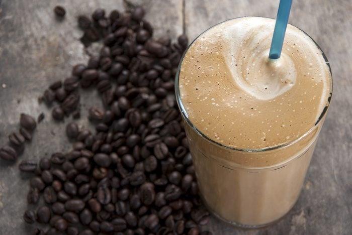 Un smoothie au café pour avoir de l'énergie pendant l'entrainement