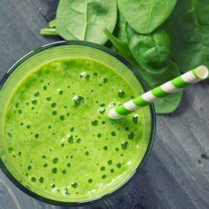 Recette santé de smoothie aux fruits et légumes