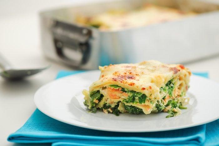 Une recette de lasagnes au saumon et asperges.
