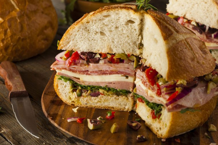 Une recette de sandwich muffuletta de la Nouvelle-Orléans