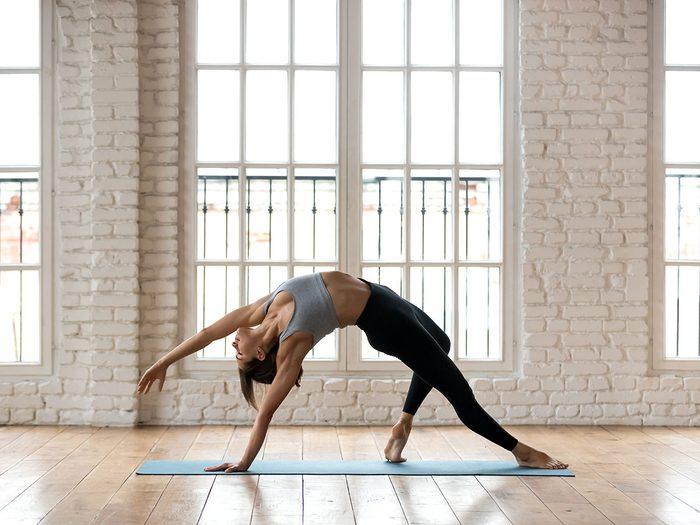 Le yoga Hatha est l'un des types de yoga à essayer.