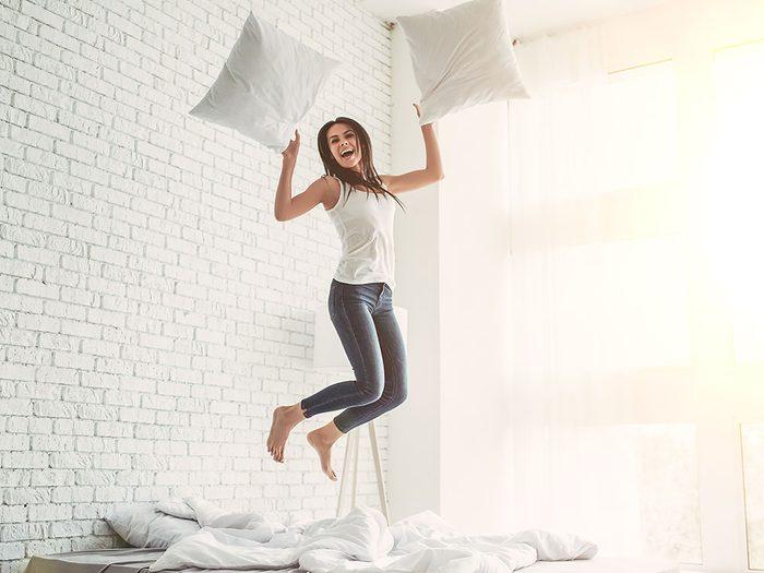 Pour lutter contre les allergies, utilisez des oreillers de plumes.