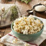 8 raisons de manger plus de popcorn