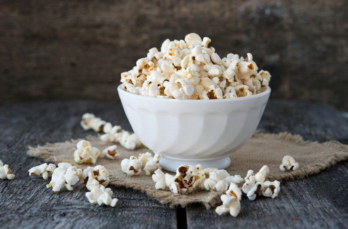 Popcorn et bienfaits santé: la maïs soufflé est riche en protéines.