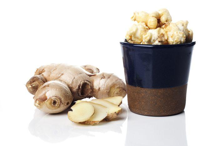 Le maïs soufflé calme la faim car il contient surtout de l'air, en plus d'être riche en fibres.
