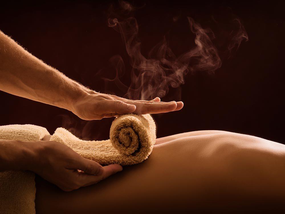 La chaleur peut soulager les maux de dos.