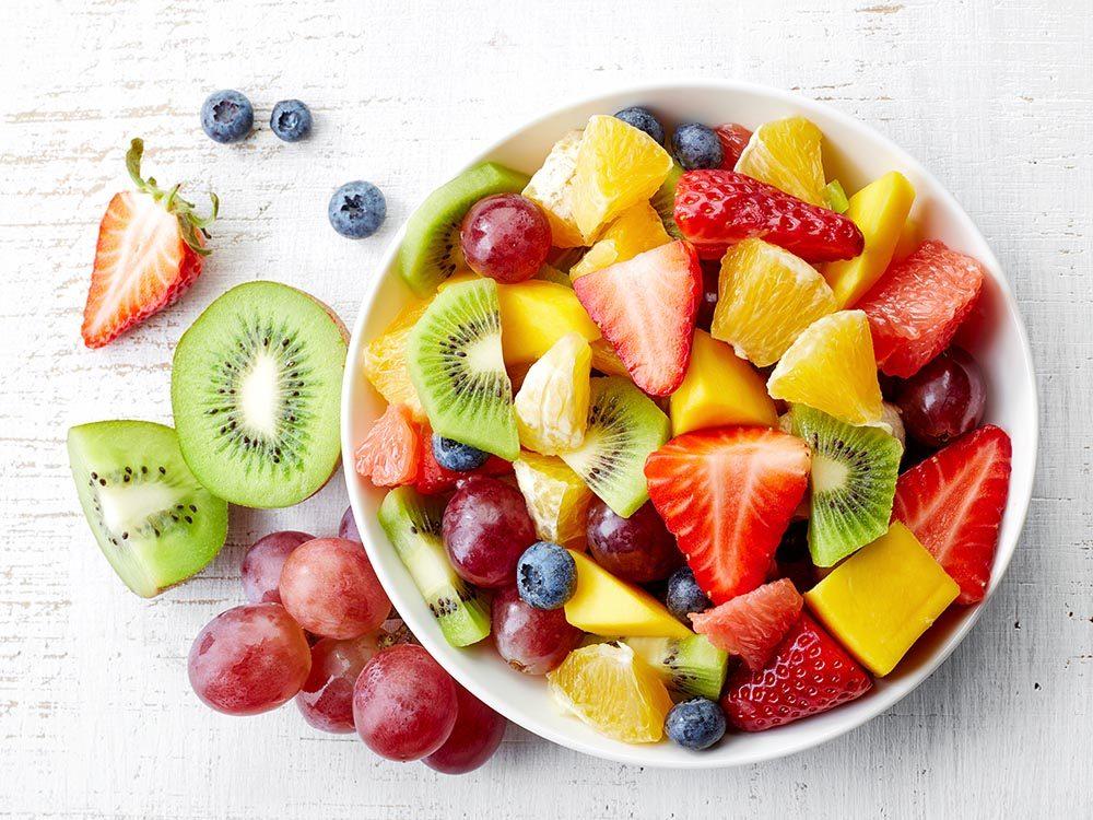 Faites le plein de nutriments essentiels : la vitamine C garde vos os en santé.