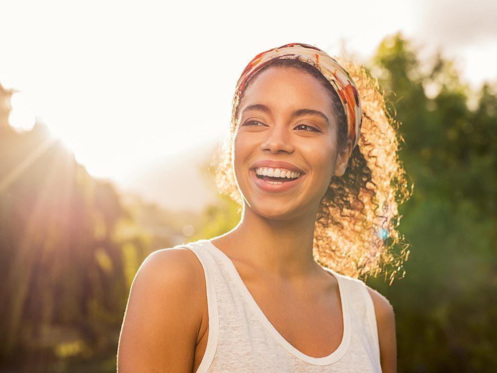 Nutriments essentiels à vos os : la vitamine D aide votre corps à absorber le calcium.