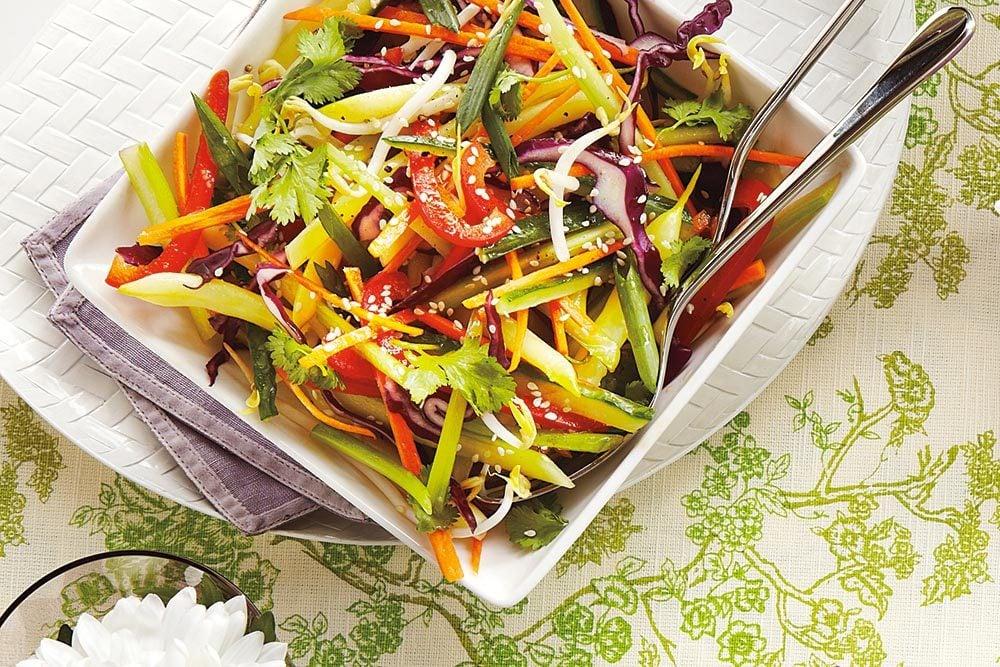 Salade de légumes en juliennes