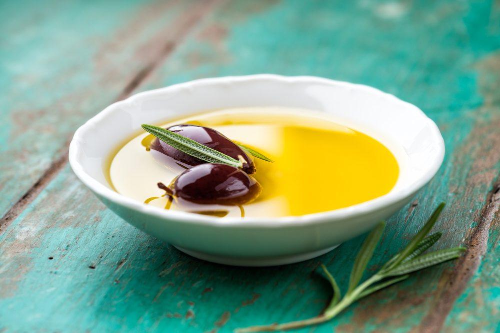 Reniflez l'huile d'olive pour maigrir.