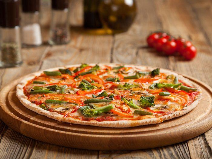 Une pizza grillée Végétarienne pour un lundi sans viande.