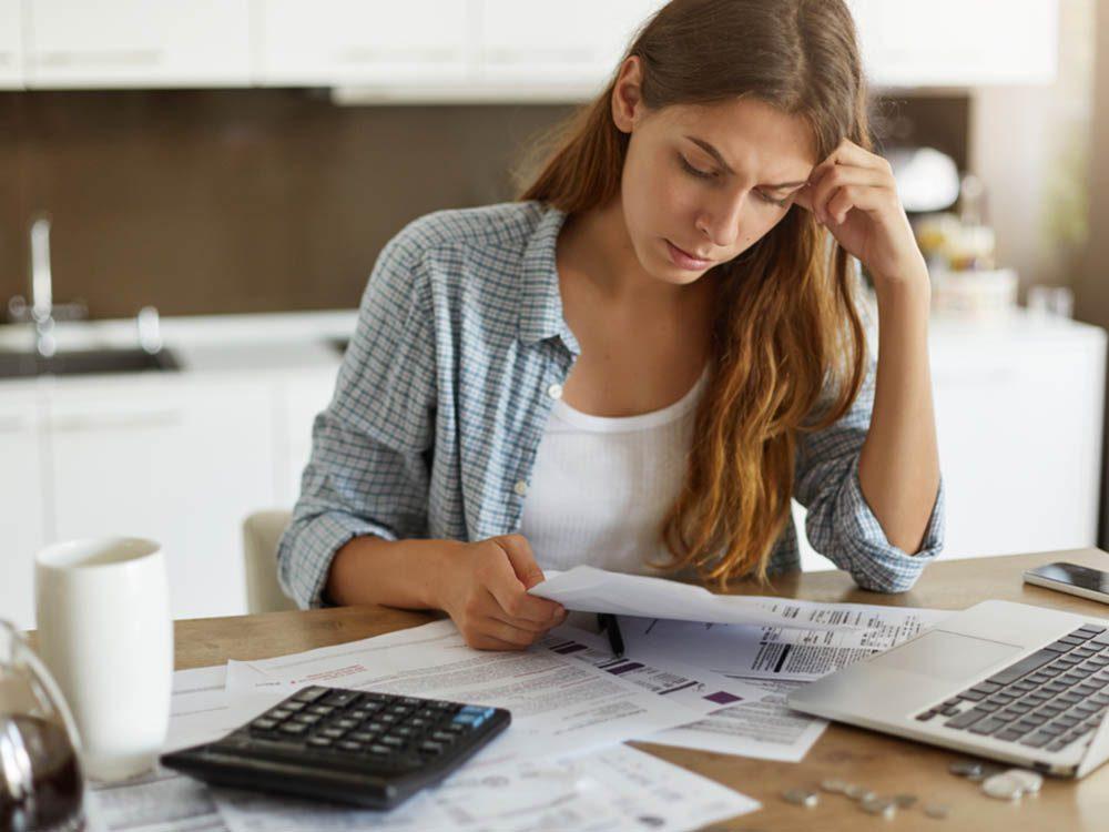 Comment trouver un bon psychologue: déterminez votre budget.