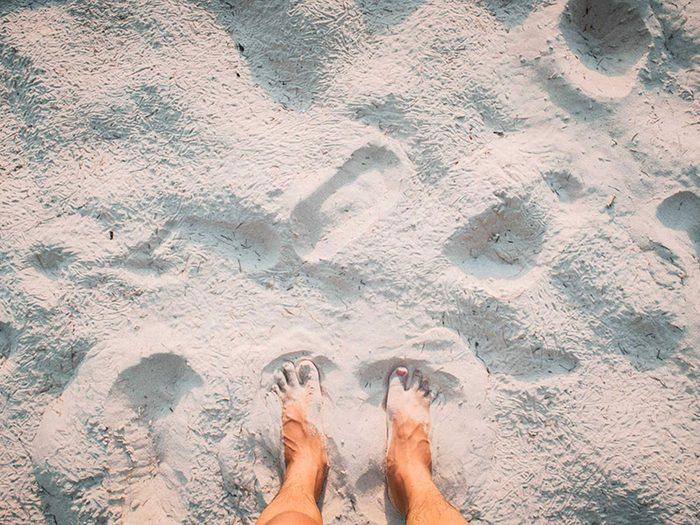N'oubliez pas de mettre de la crème solaire sur vos pieds.