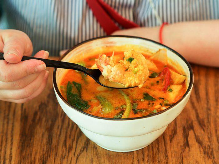 Les écoles de Singapour servent des soupes traditionnelles.