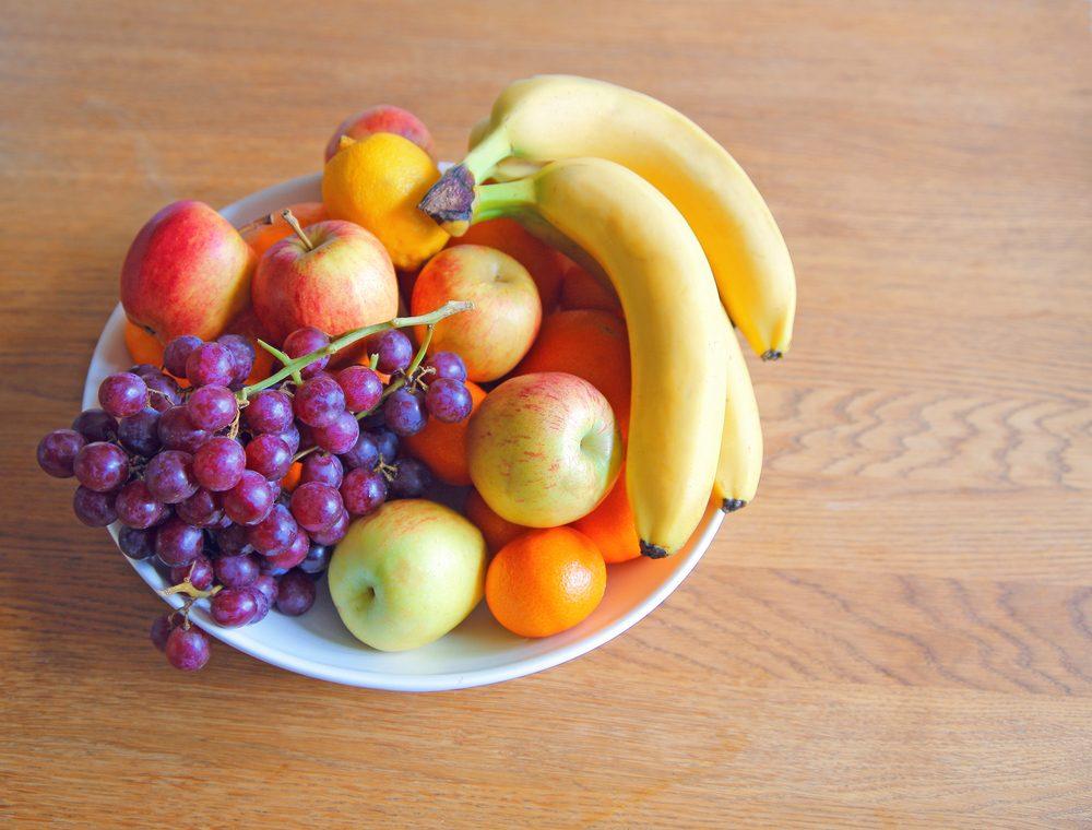 Apportez des fruits pour maigrir au travail.