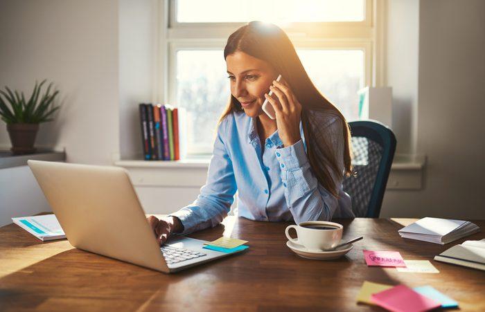 Attendez de répondre au téléphone pour être plus détendu.