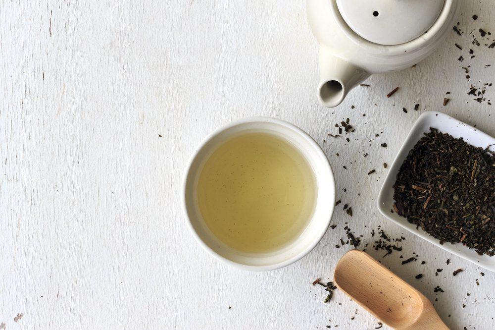 Buvez du thé pour maigrir au travail.