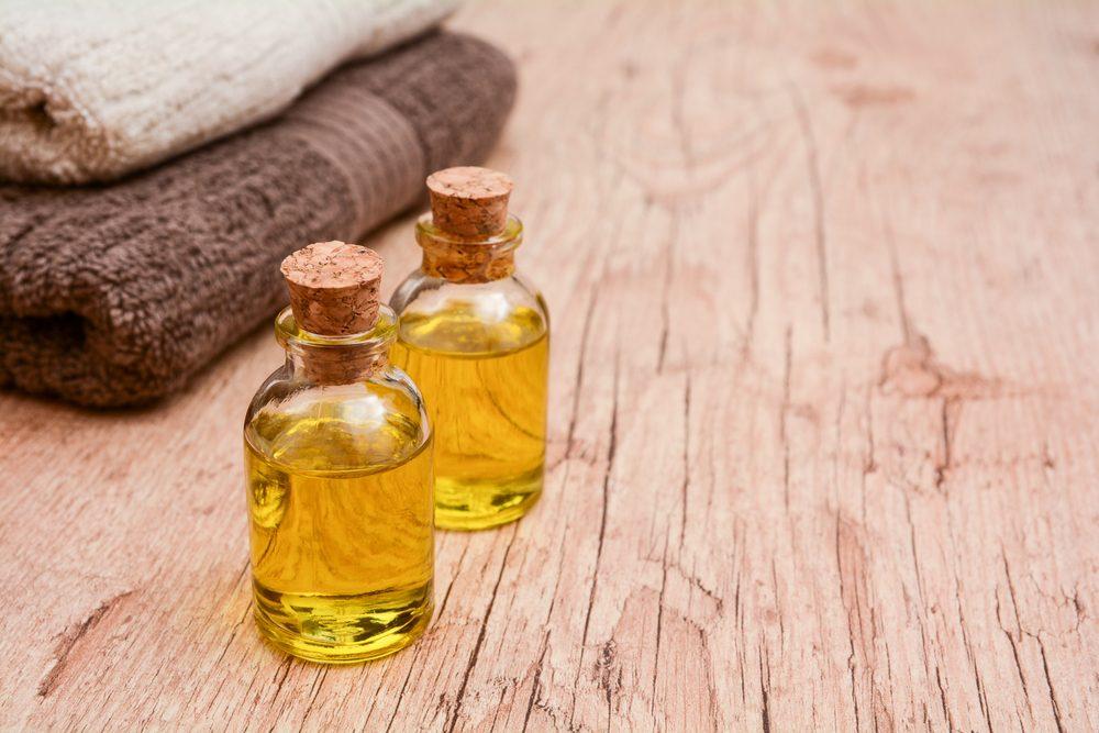 Une huile de massage soulage les brûlures.