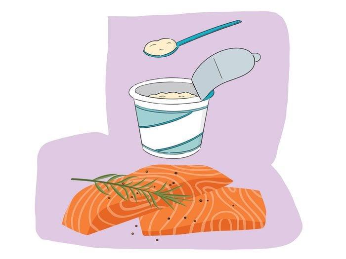 Saumon et yaourt font partie des combinaisons alimentaires efficaces.