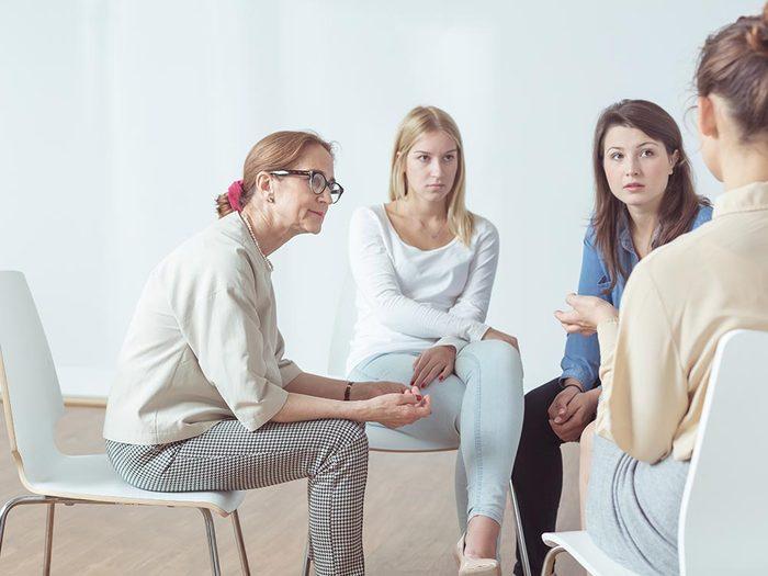 Pour les femmes atteintes d'endométriose, il existe des groupes de soutiens.