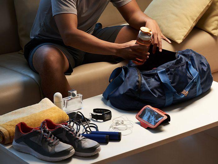 Désinfectez régulièrement votre sac de sport après votre passage à la salle de gym.