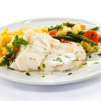 Filets de poisson et bâtonnets de légumes à l'orientale