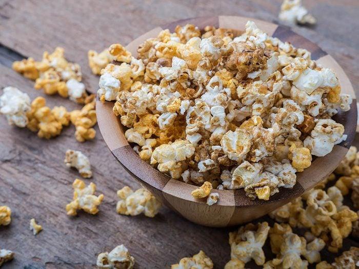 Essayez cette recette de popcorn santé à la cajun.
