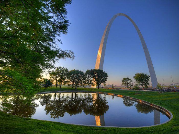 L'ascenseur de la Gateway Arch dans le Missouri est l'un des ascenseurs fascinants à travers le monde.