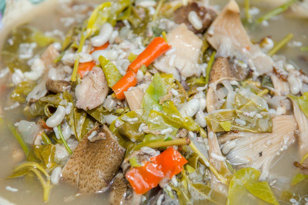 Un aliment étrange, la soupe aux oeufs de fourmis