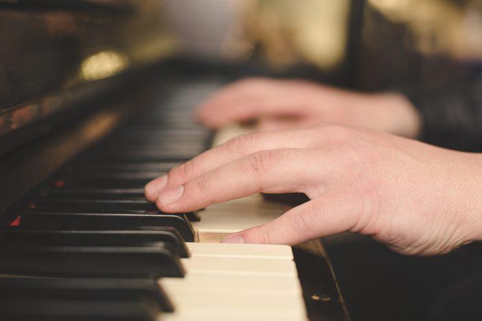 Cet hôtel offre comme service étonnant un pianiste privé