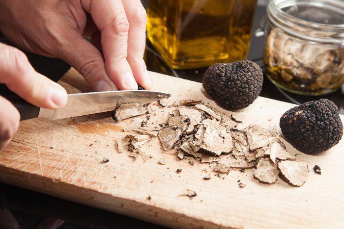 Un service étonnant offert par l'hôtel de chasse aux truffes