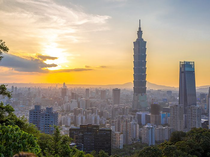 L'ascenseur de Taipei 101 est l'un des ascenseurs fascinants à travers le monde.