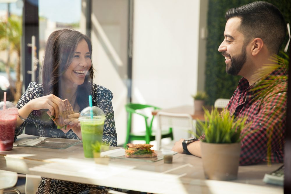 Faites des compliments et soyez positif avec votre partenaire.