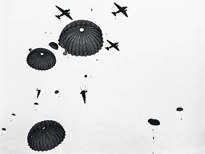 Jour du Souvenir: le parachutiste.