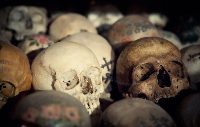 Cet ossuaire est une attraction touristique bizarre