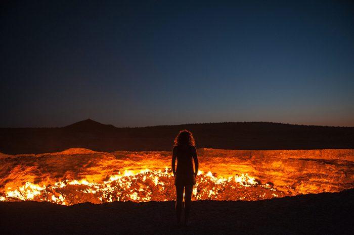 Une attraction touristique bizarre, les portes de l'Enfer